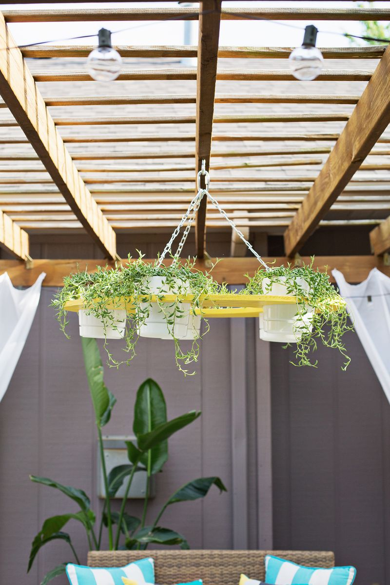 Outdoor Plant Chandelier Diy Click Through For Instructions