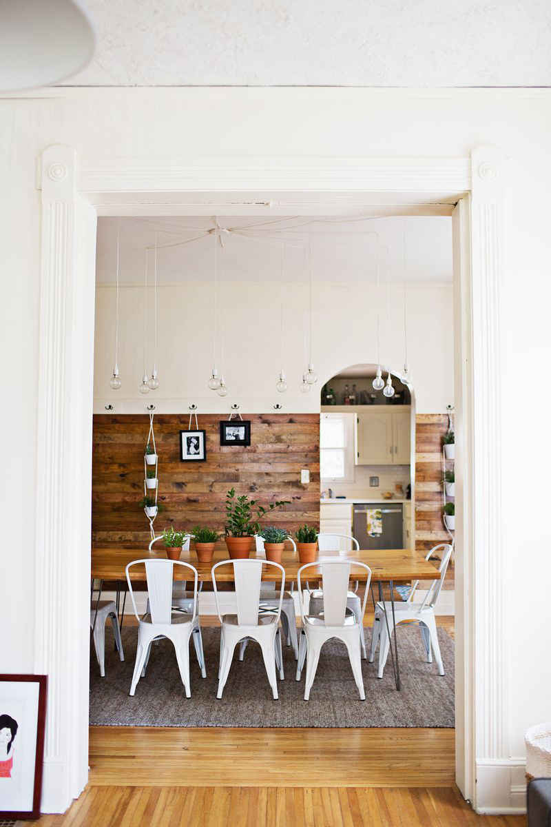 Stained Wood Wall (click through for DIY instructions)