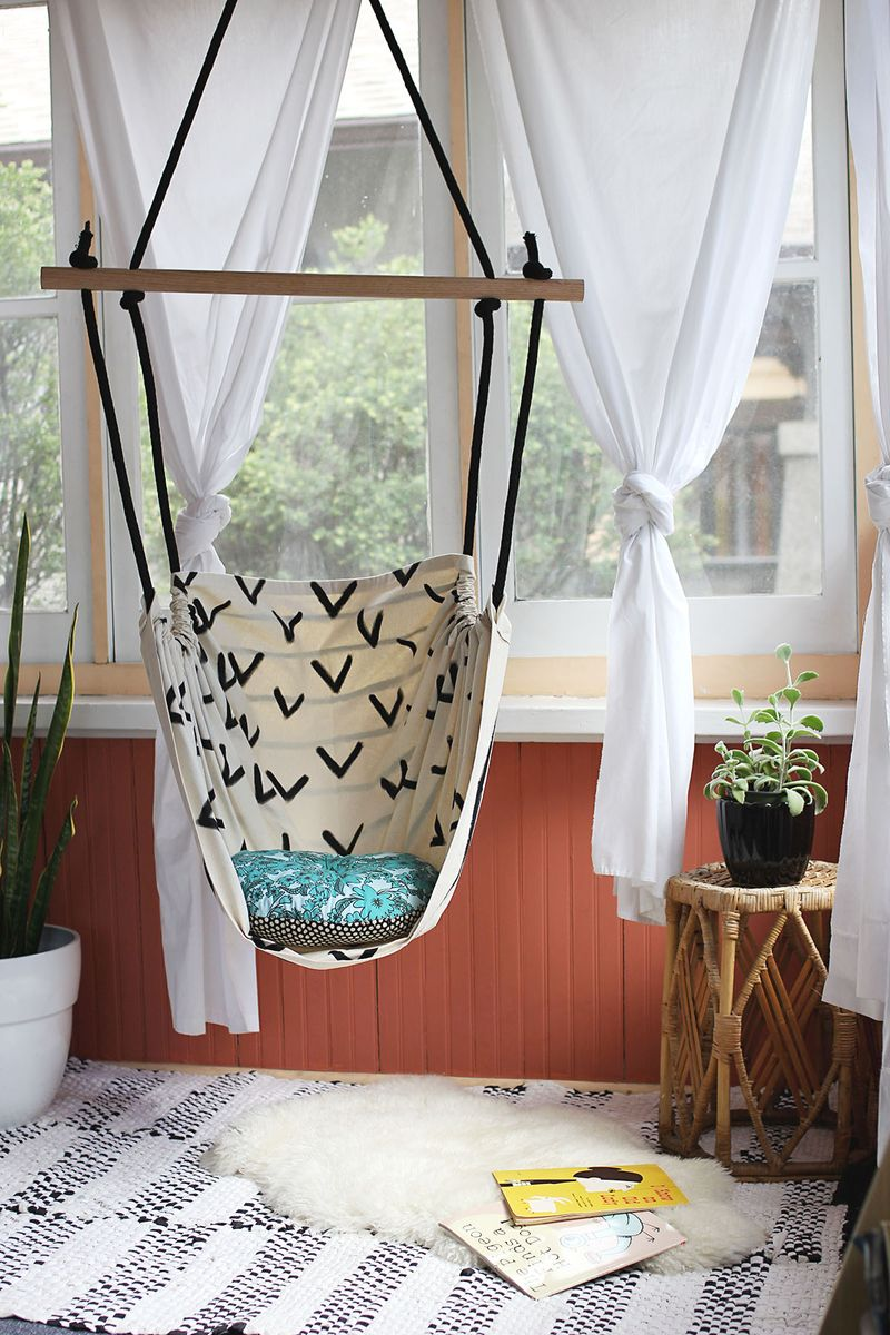 A Cozy Reading Chair Reversible Hammock Chair Hammock Chair Tutorial