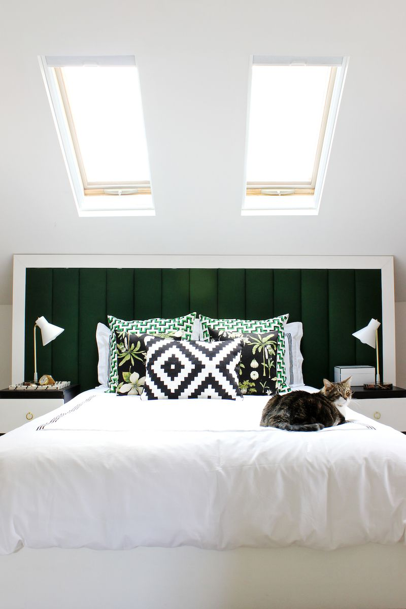 Skylights above the bed-- swoon