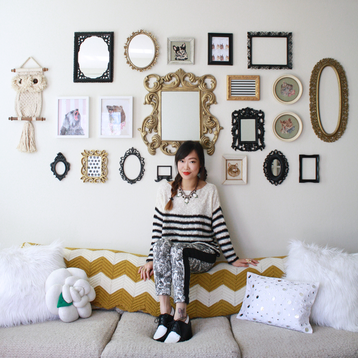 Totally in love with this gallery wall