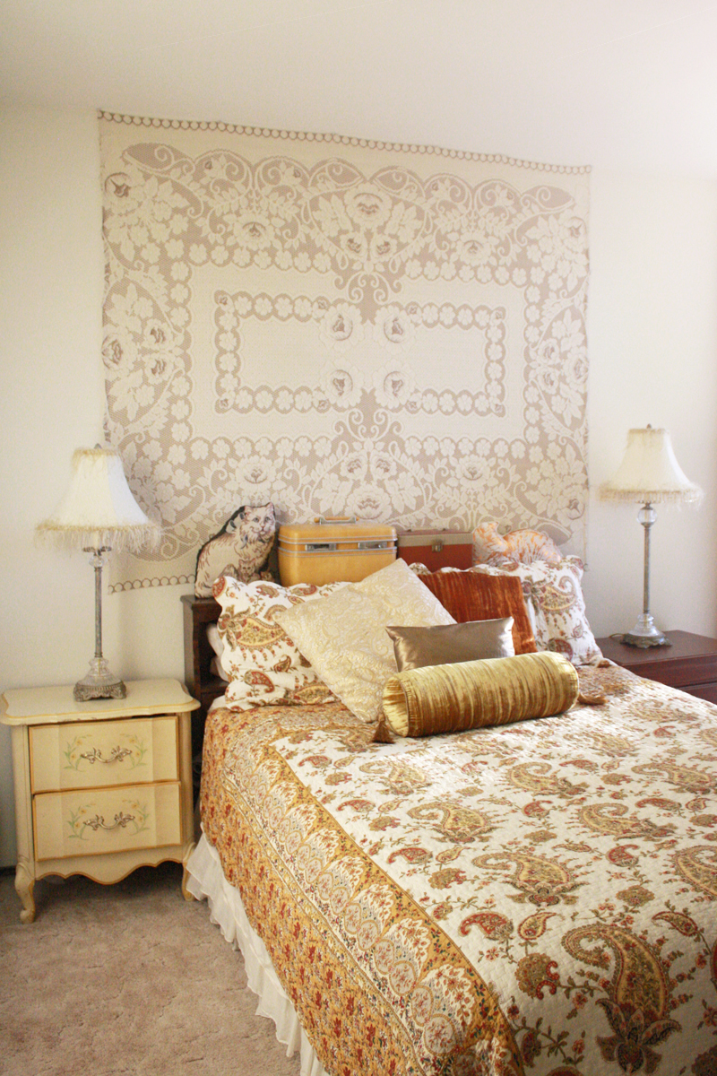 Love the antique feel of this bedroom