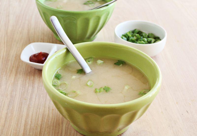Easy homemade miso soup