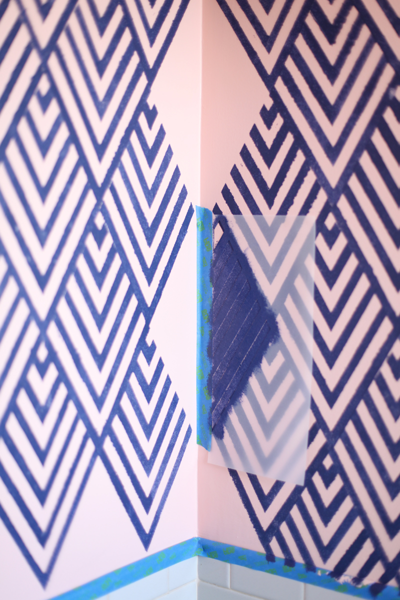 Create a wallpaper look with a geometric stencil a Painting geometric patterns on walls