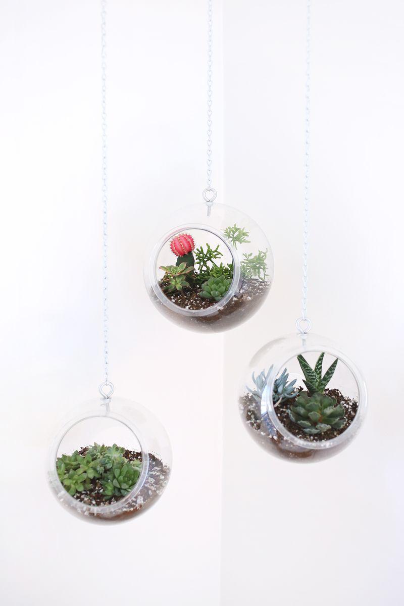 Fishbowl Hanging Planter (click through for tutorial) abeautifulmess.com