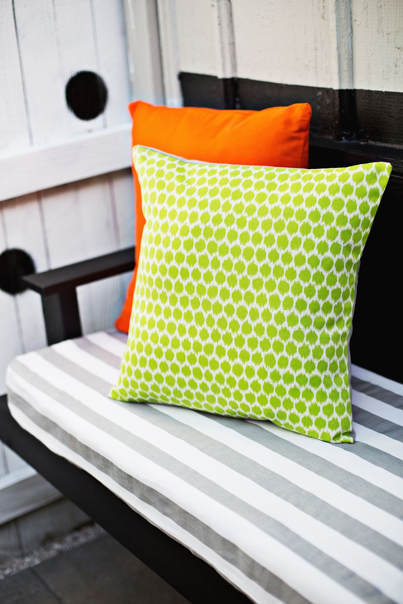 outdoor pillows 3 ways u0026 envelope pillow diy u2013 a beautiful mess