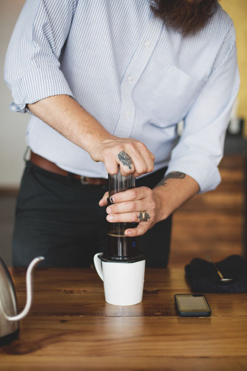 How to brew coffee with an aeropress