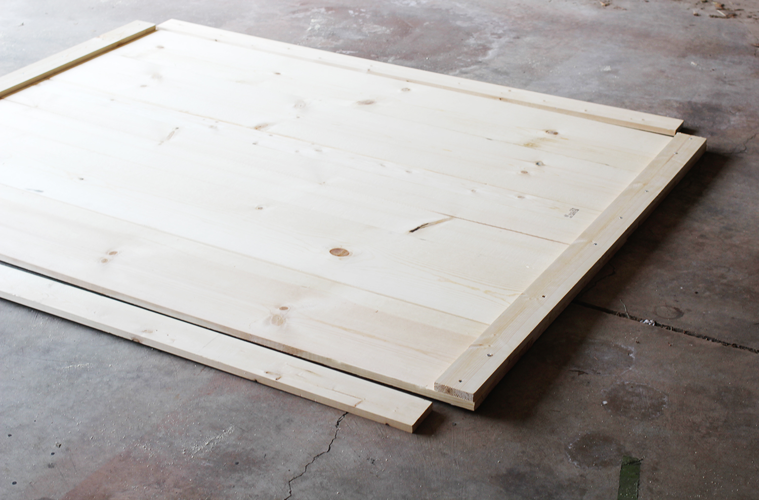 How to build a minimal bedframe