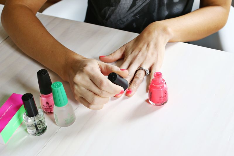 Do your own gel manicure at home a beautiful mess do your own gel manicure at home abeautifulmess solutioingenieria Images