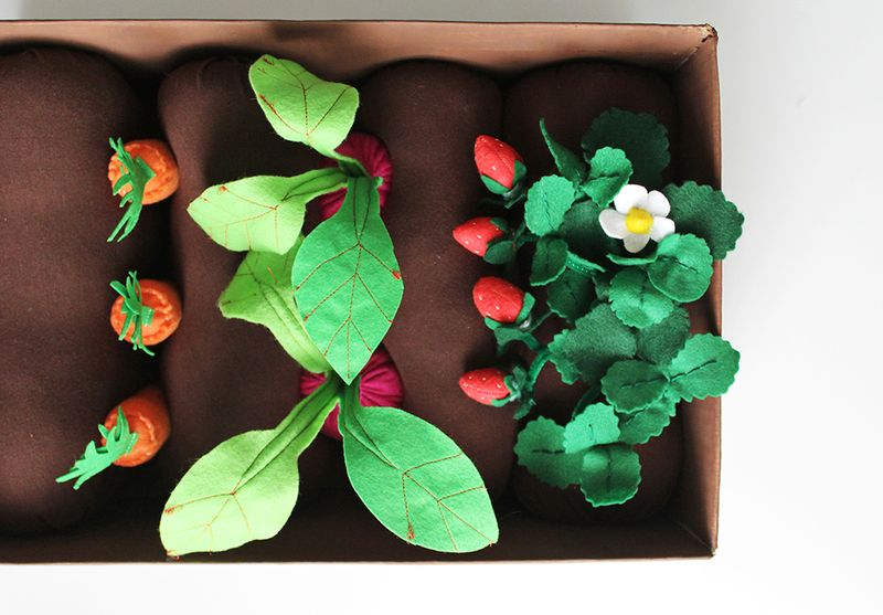 Adorable felt garden box- love this!