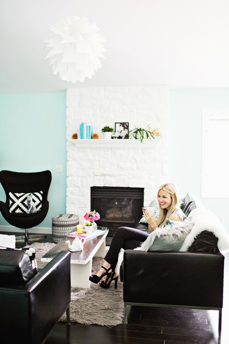 Laura\'s Living Room (Before + After!) - A Beautiful Mess