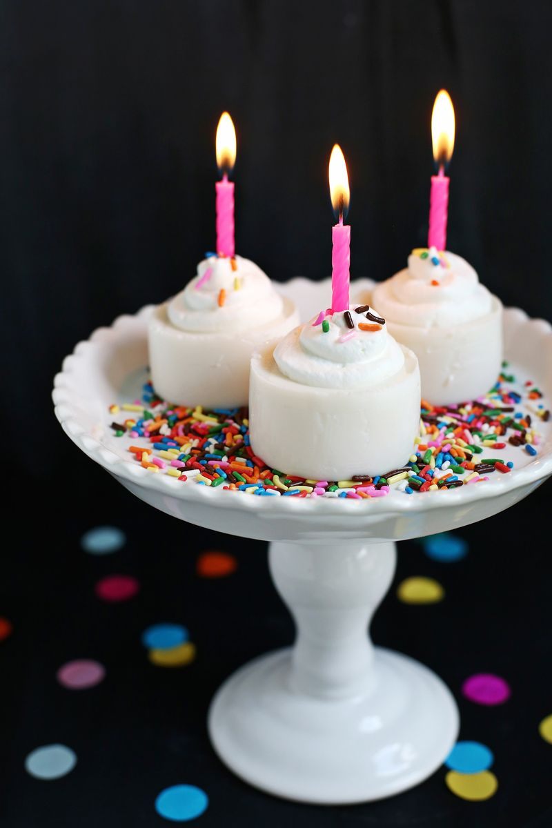 Yes please! Birthday Cake Jello Shot (click through for recipe)