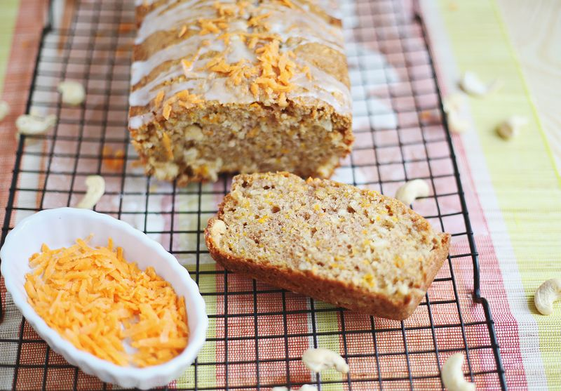 Carrot and cashew bread