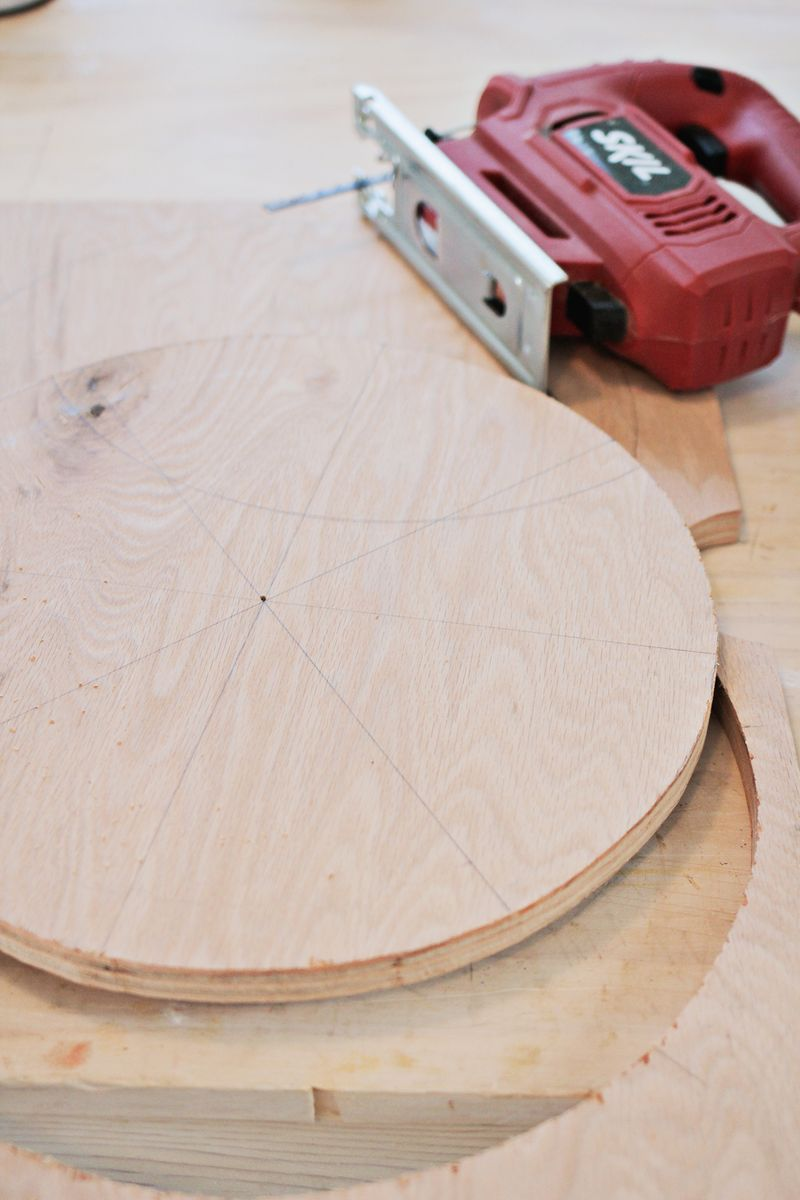 how to cut a circle in wood without a jigsaw
