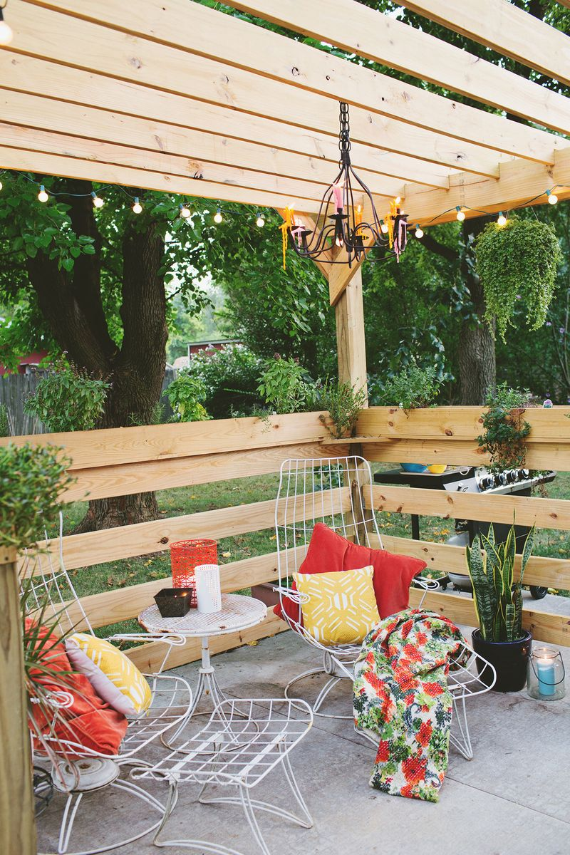 Build your own pergola part one planning a beautiful - Plantas para patios ...