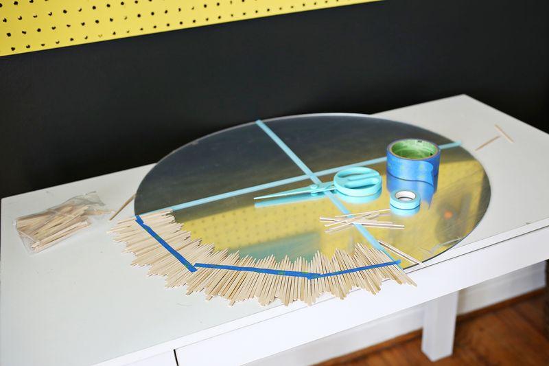 Delicate Sunburst Mirror DIY (click through for tutorial)