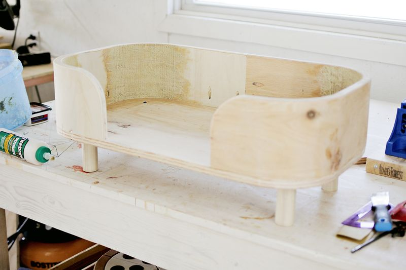 The Sadie bed - legs  (how to make a modern pet bed. click for more)