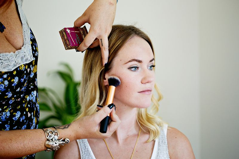 How to apply bronzer like a pro a beautiful mess how to apply bronzer ccuart Images