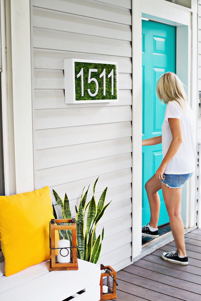 Love this! Modern House Number DIY (click through for tutorial)