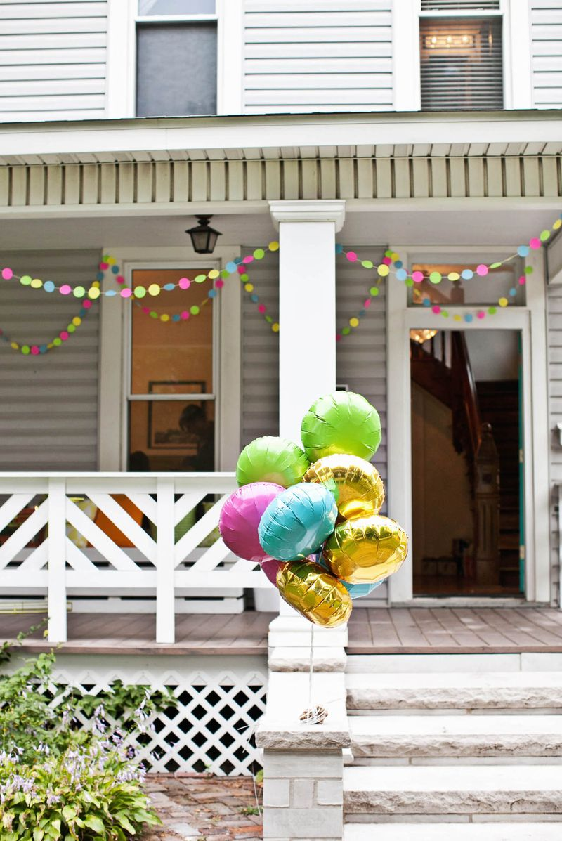 Decor ideas for a front porch party