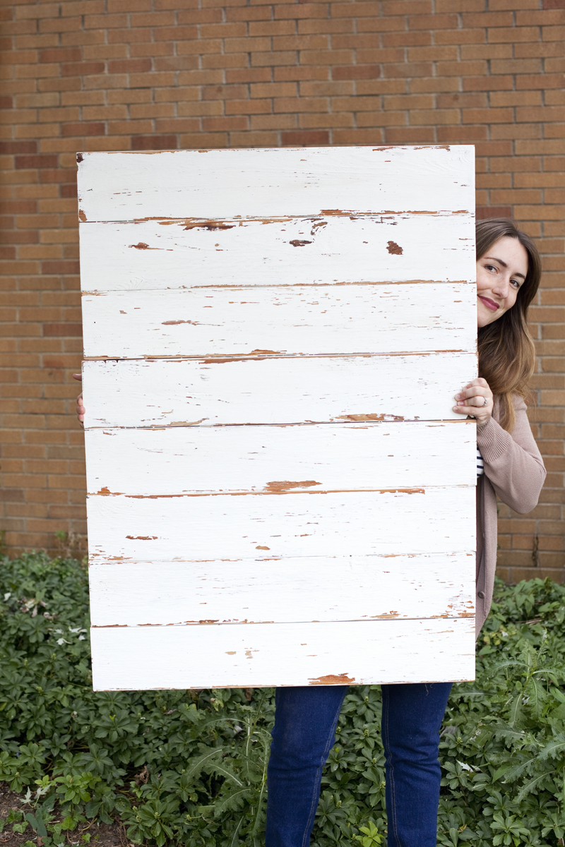 How to Make an Antiqued Wood Photo Backdrop