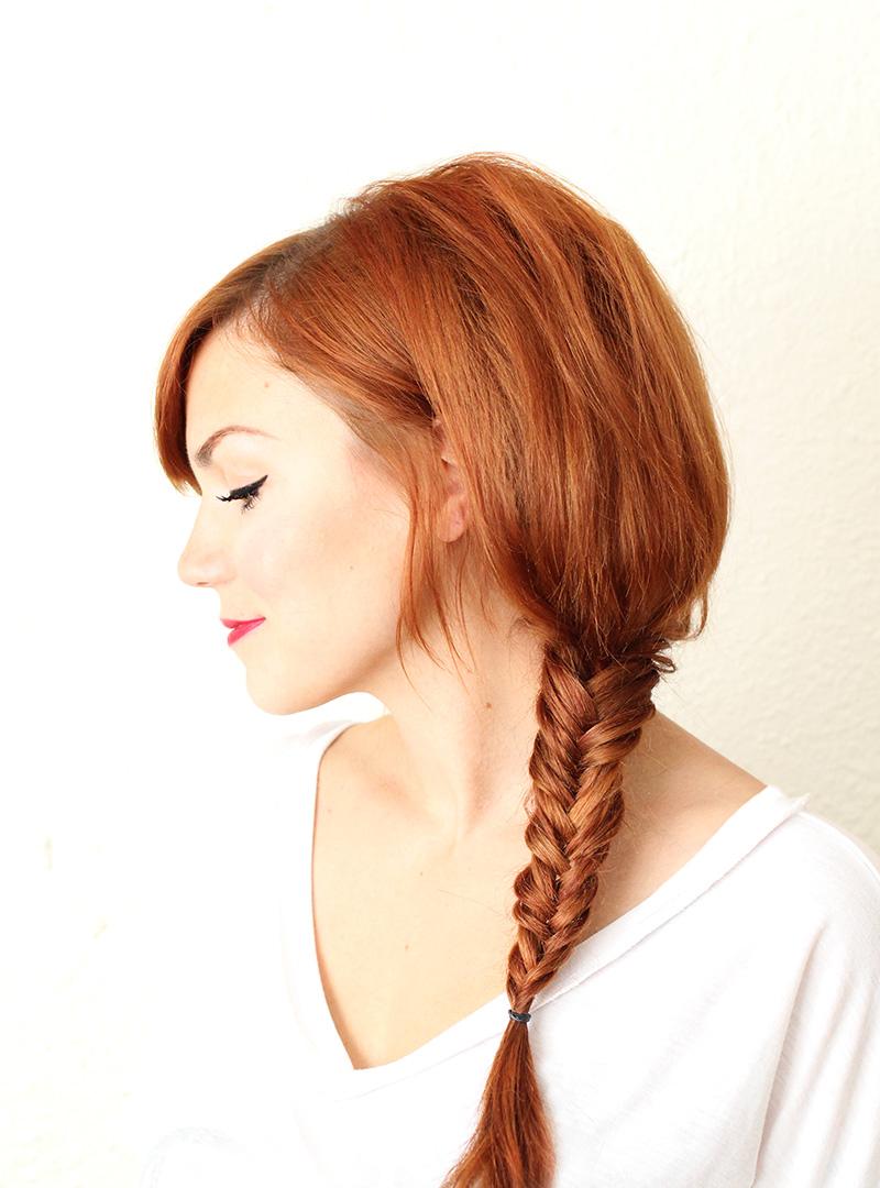 32 favorite hair tutorials a beautiful mess fishtail braid video tutorial baditri Gallery
