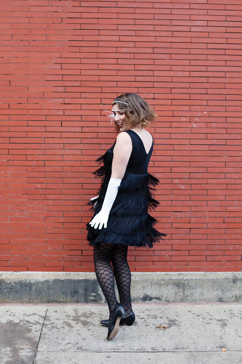 How to whip up an authentic flapper Halloween costume