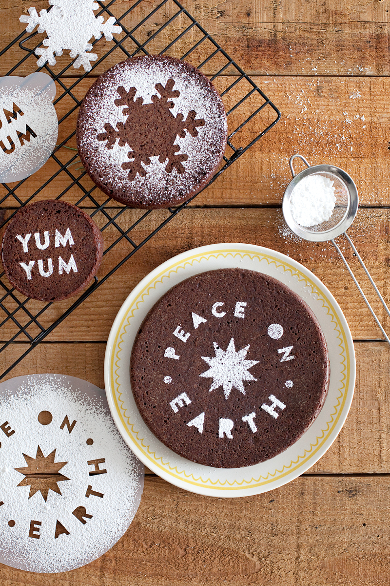Dress up your baked goods and drinks with this easy DIY stencil! (Click through for downloadable templates.)