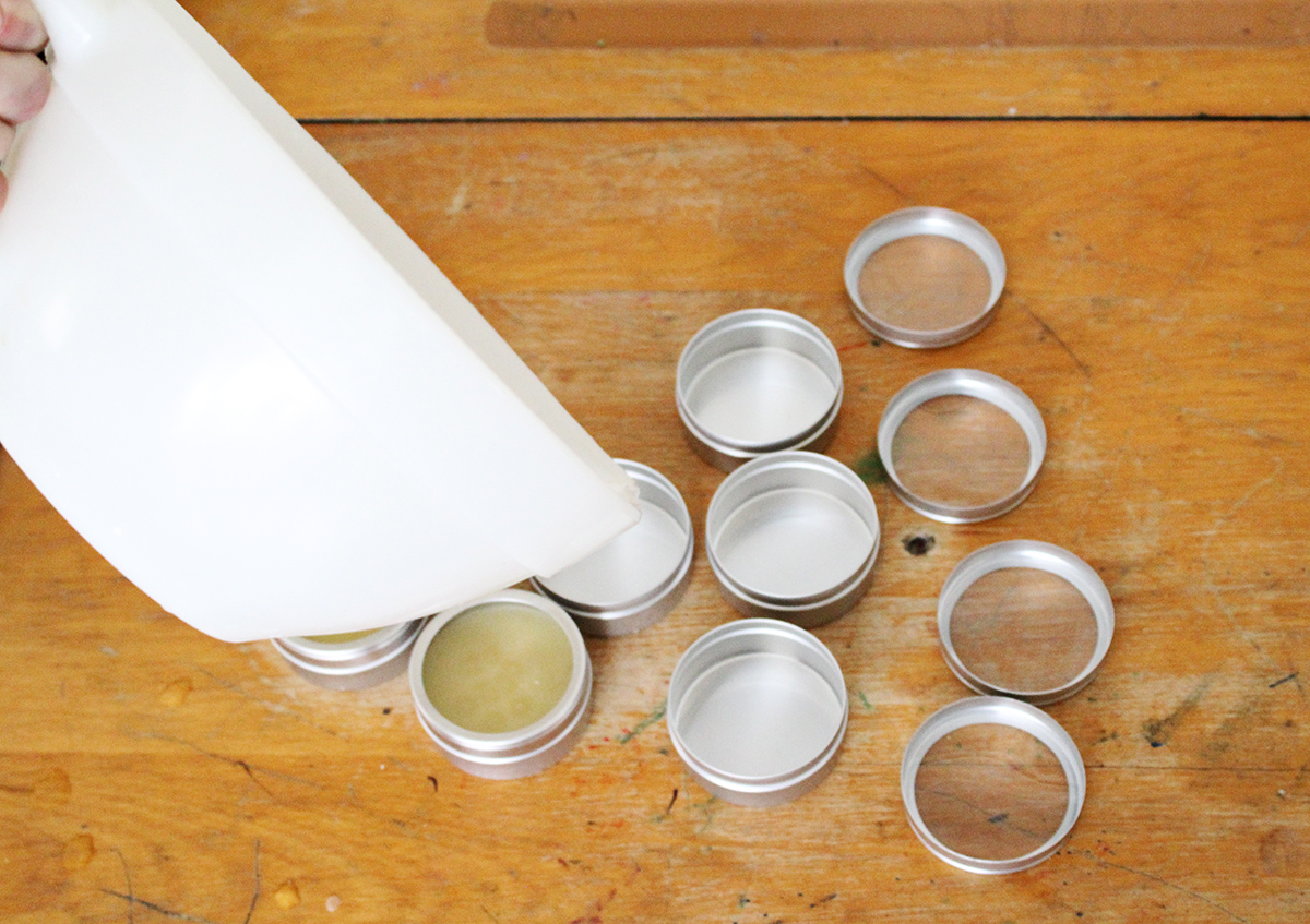 Pour solid perfume into containers