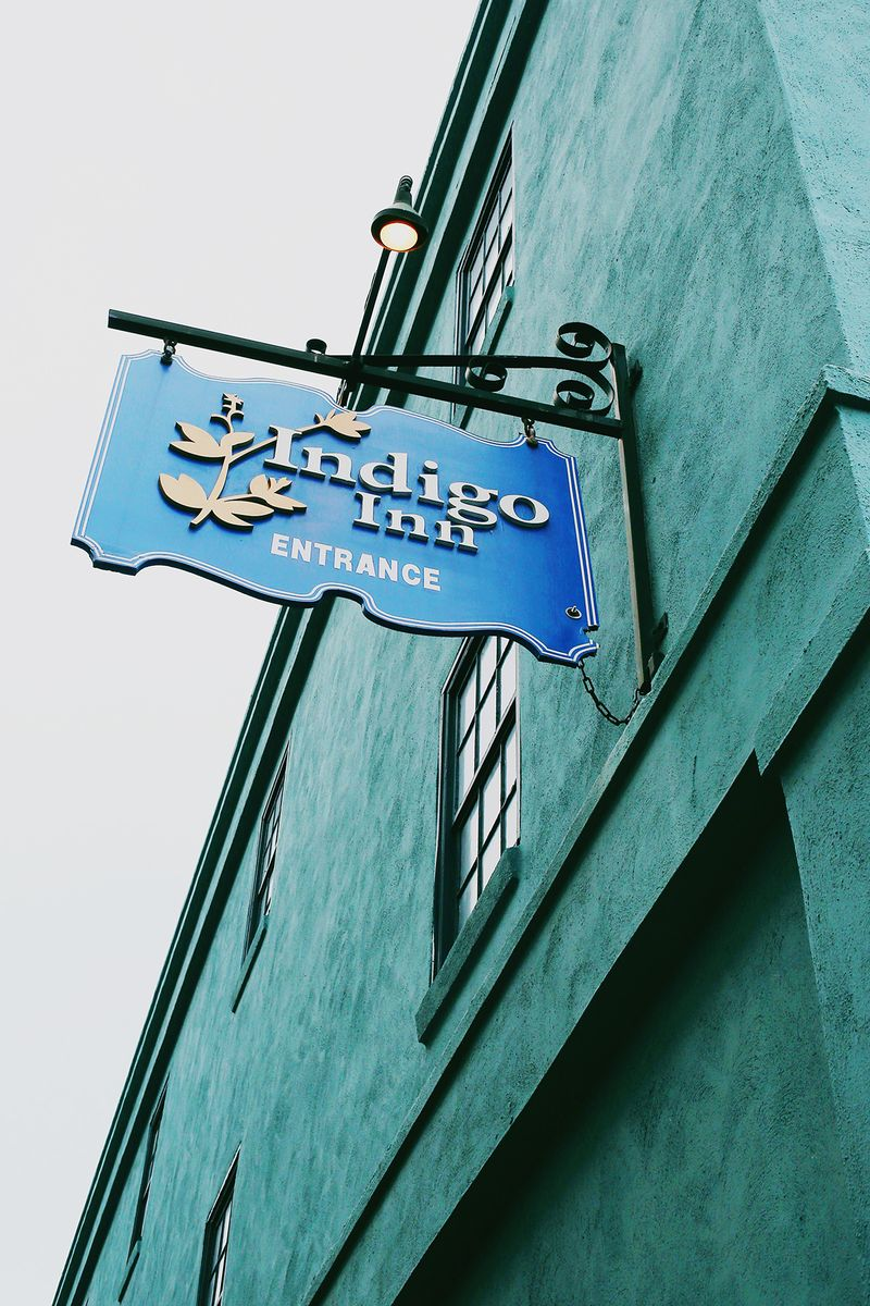 Indigo Inn in Charleston, South Carolina (click through for a full travel guide!)