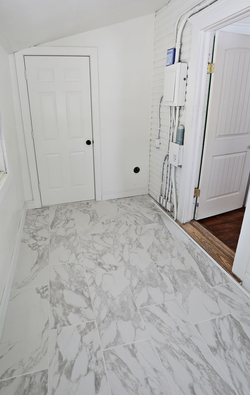 Beginner\'s Guide to Laying Tile - A Beautiful Mess