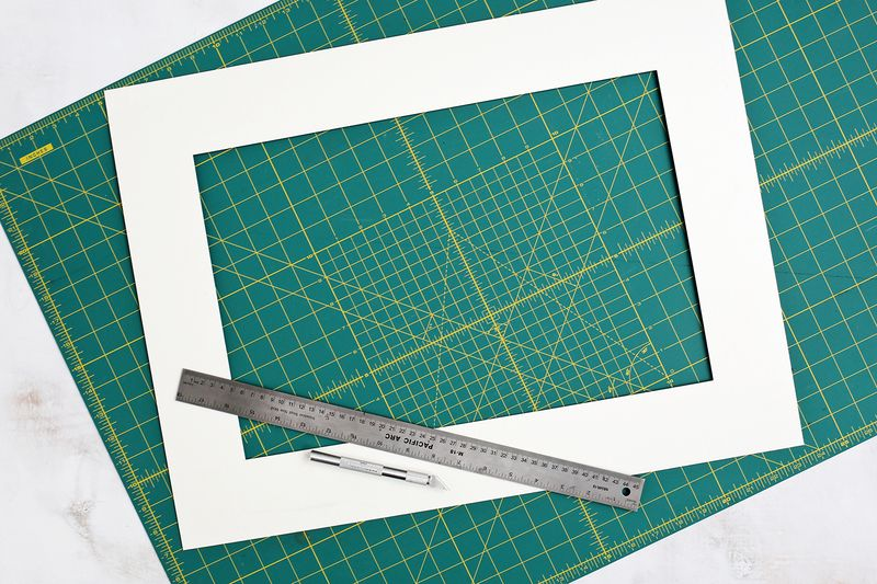 How to make a patterned photo mat! (click through for tutorial)