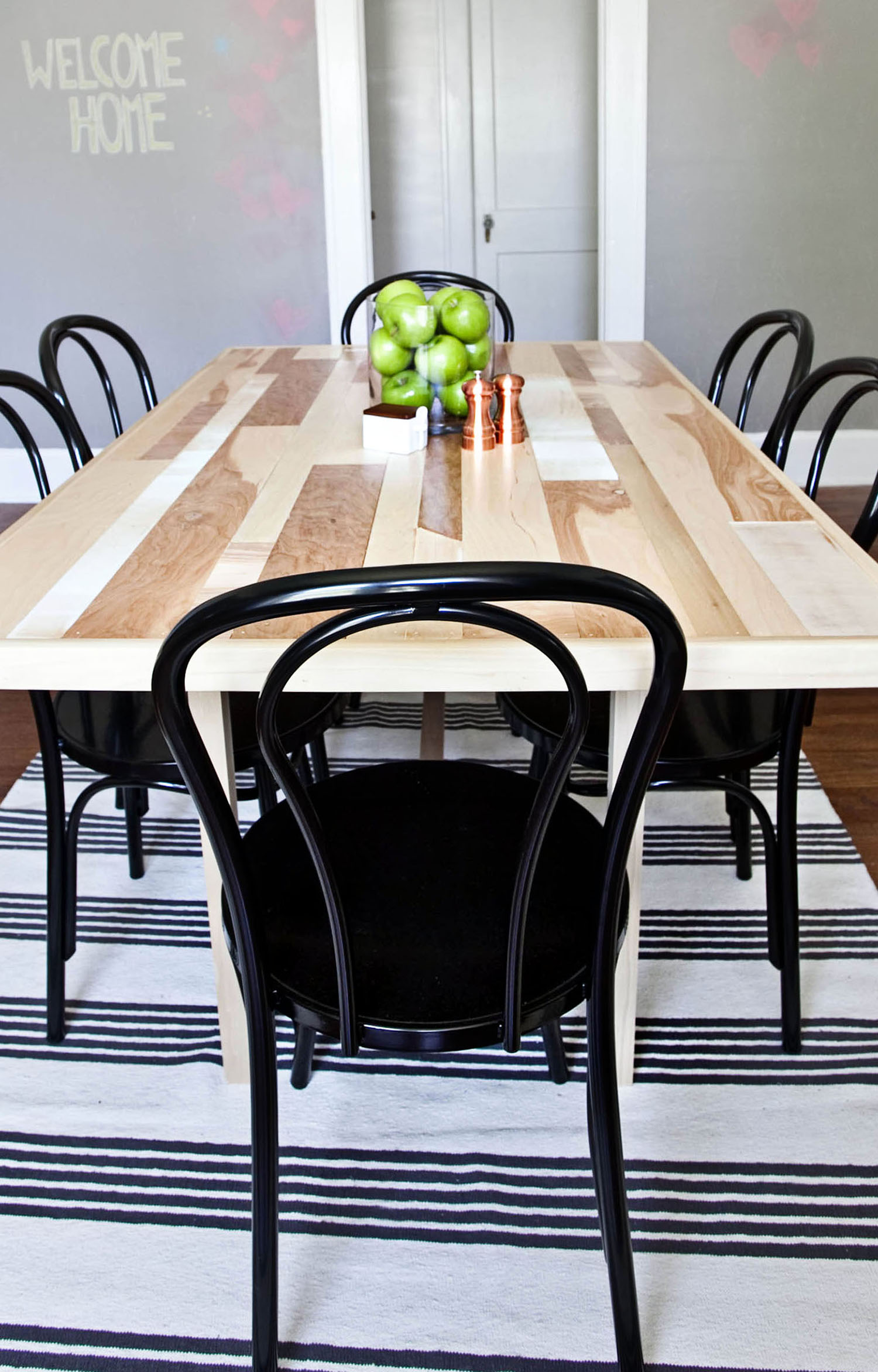 Diy six seat dining room table a beautiful mess for 6 seater dining room table