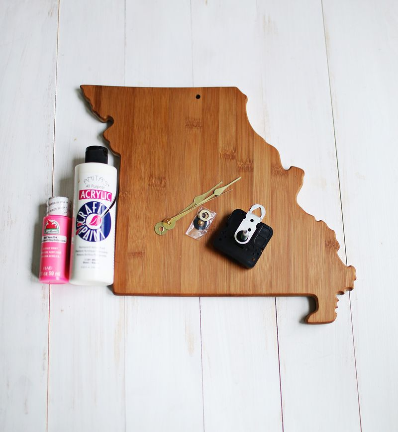 How to make a clock from a cutting board
