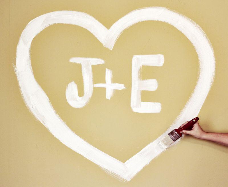 J + E