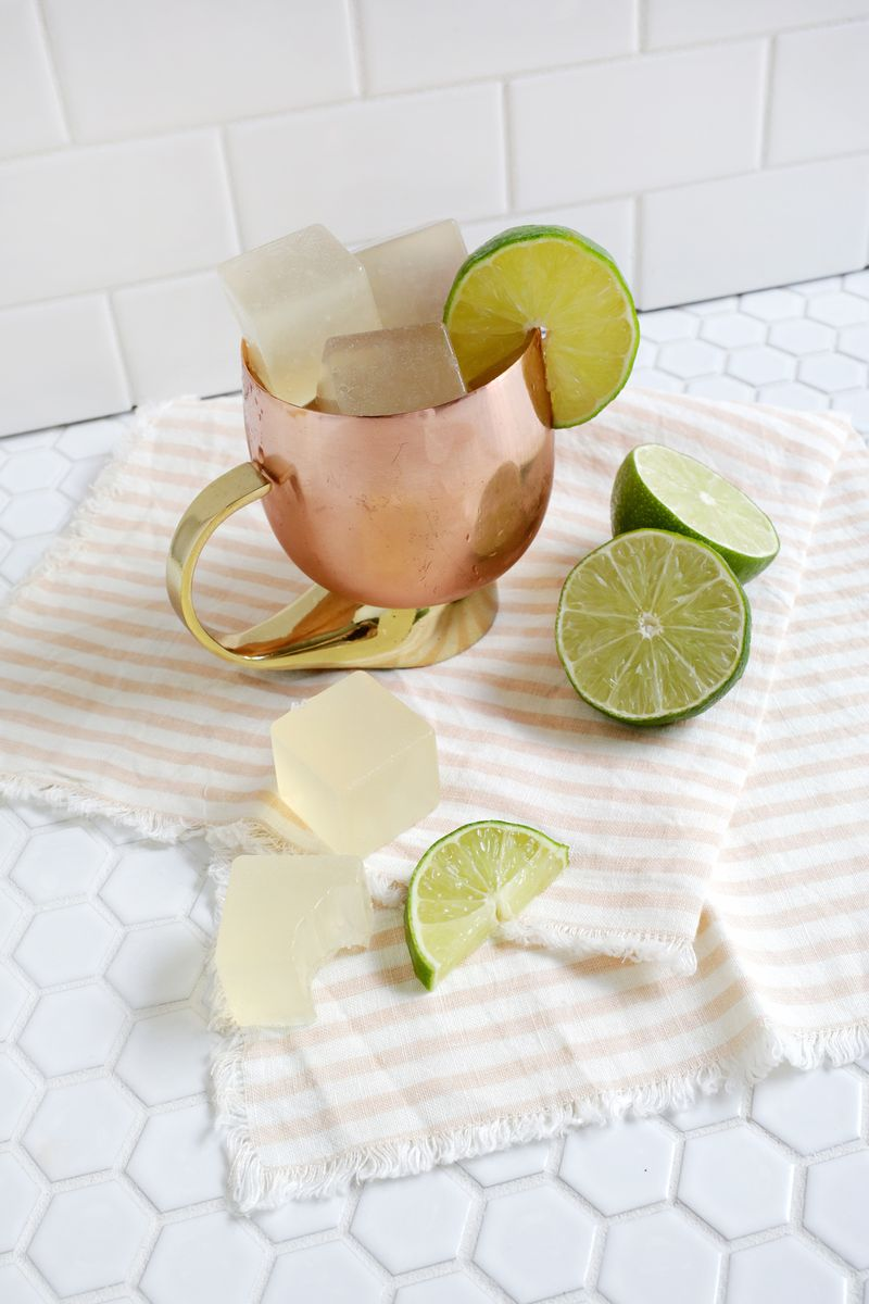 Yes Please! Moscow Mule Jello Shots (click through for recipe)