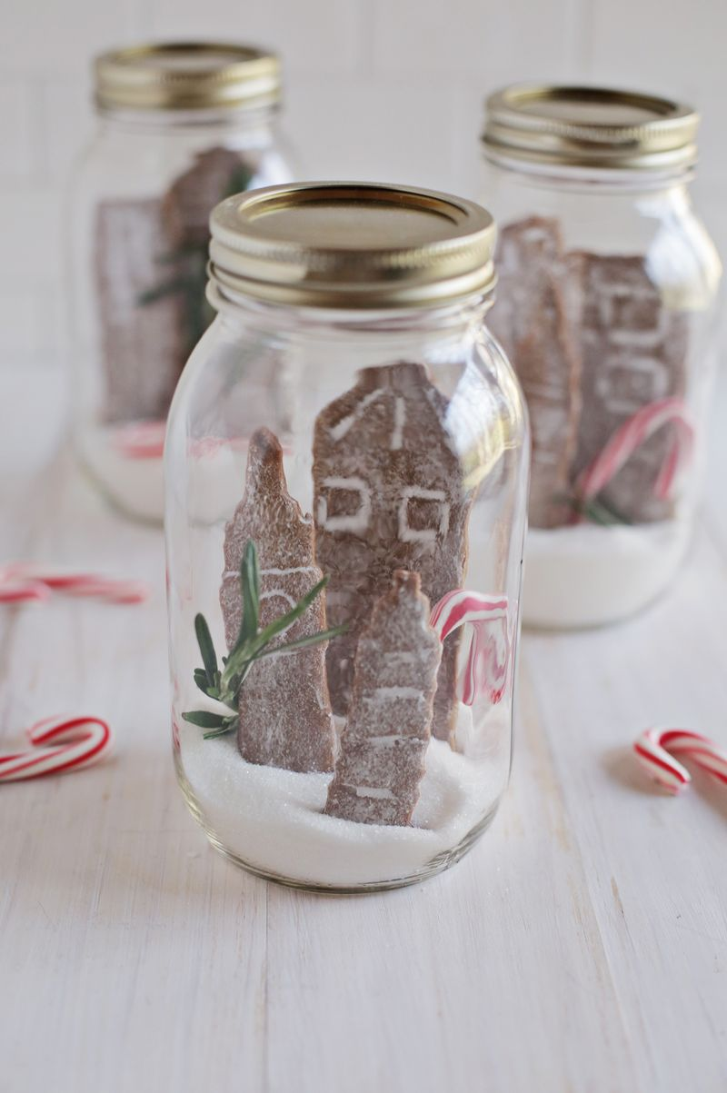 Gingerbread cookie city scapes (via abeautifulmess.com)
