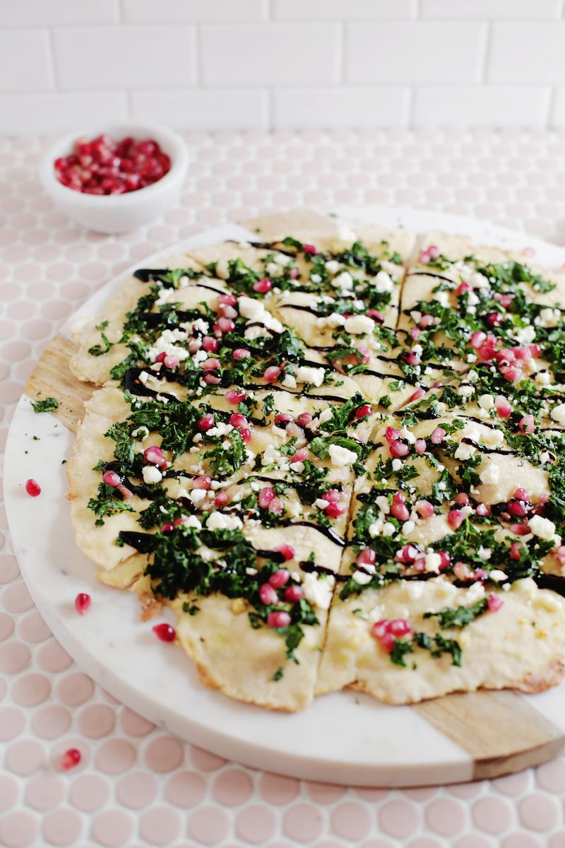 Pomegranate, Kale, Balsamic Pizza (via abeautifulmesss.com)