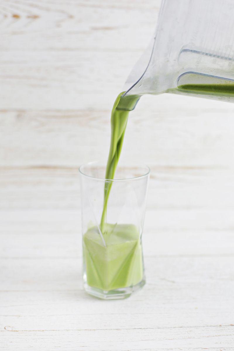 Favorite green smoothie (via abeautifulmess.com)