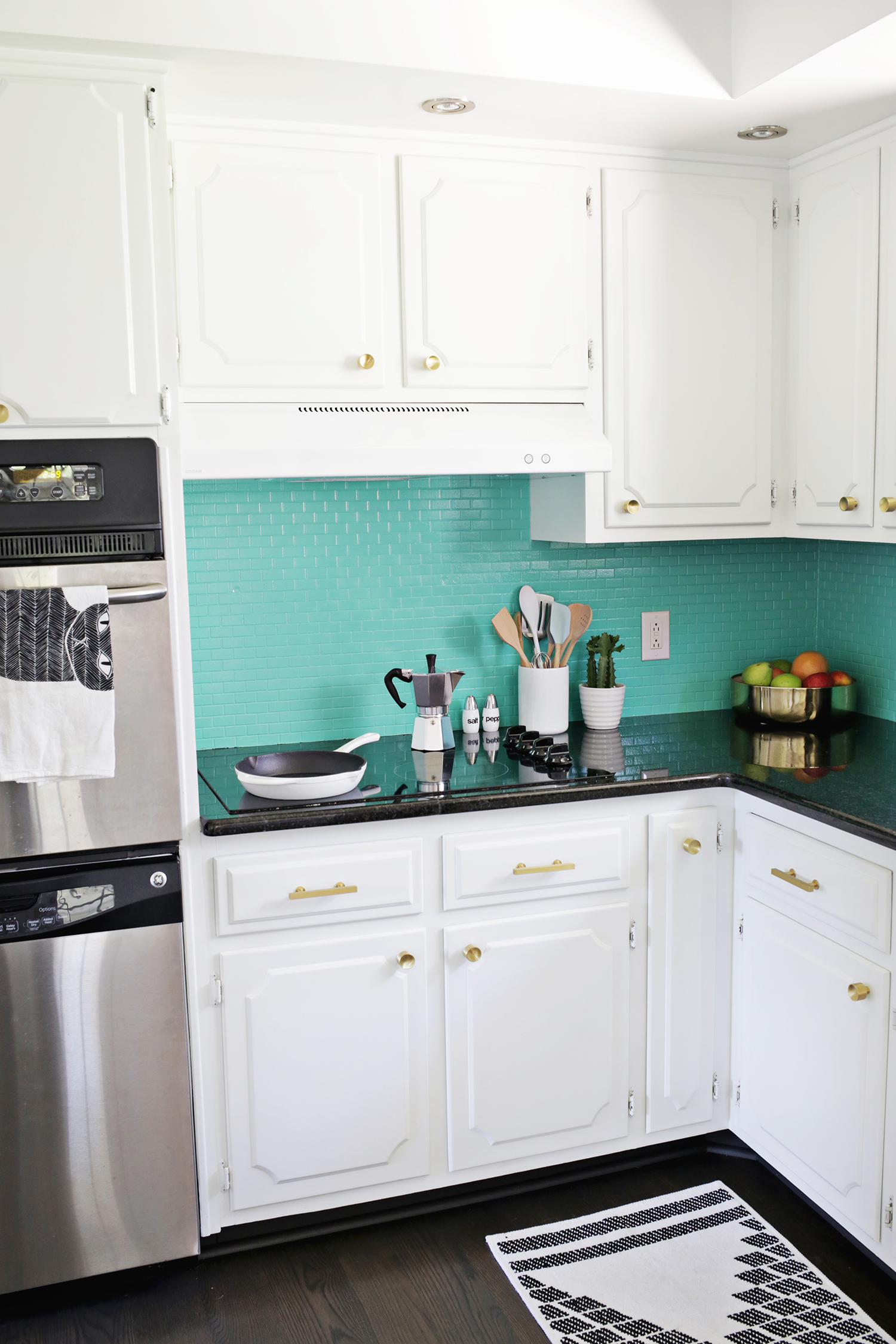 Laura\'s Kitchen (Before + After!) - A Beautiful Mess