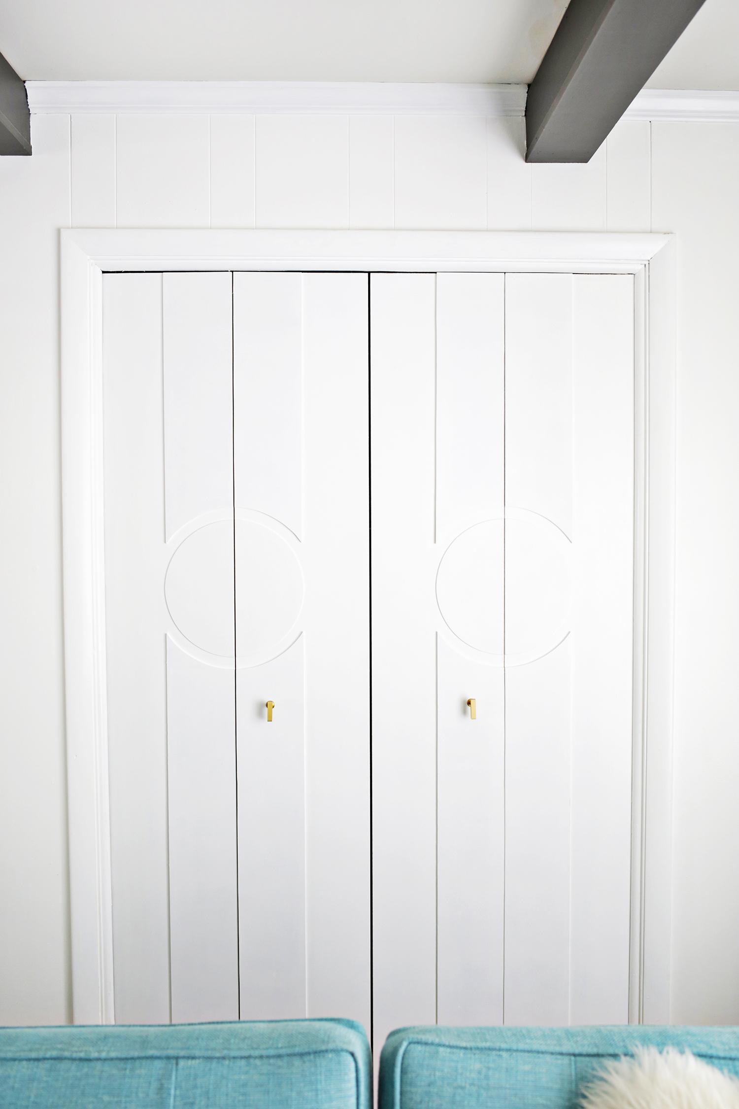 Add Geometric Panels To Your Plain Closet Doors! (click through for tutorial)