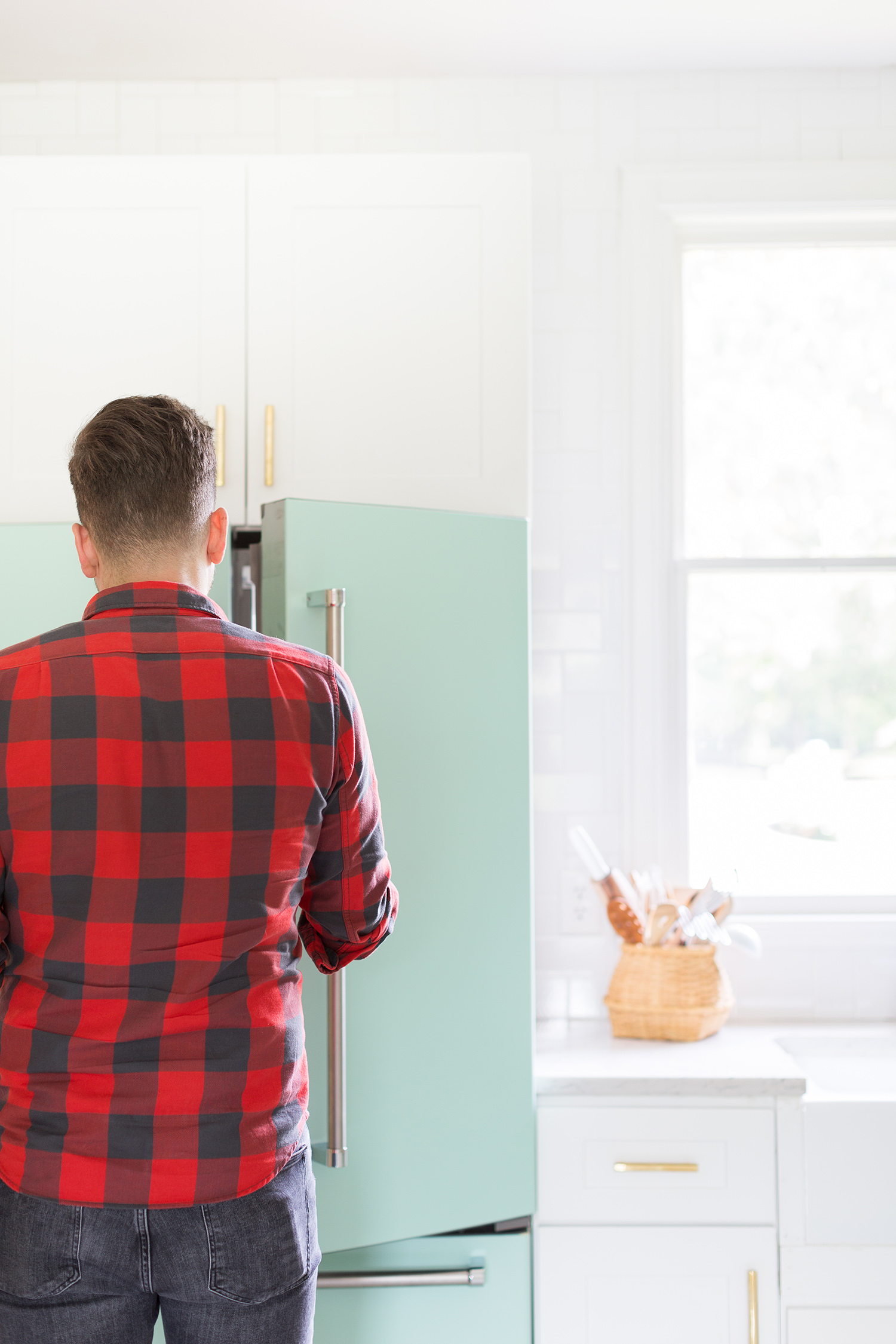 How I recolored my appliances with vinyl ©AlyssaRosenheck