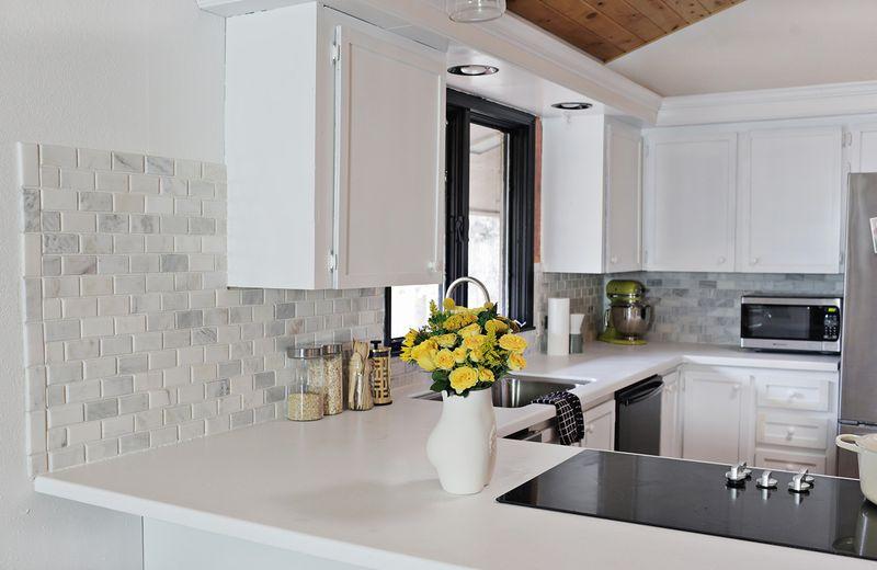 How to install a tiled backsplash
