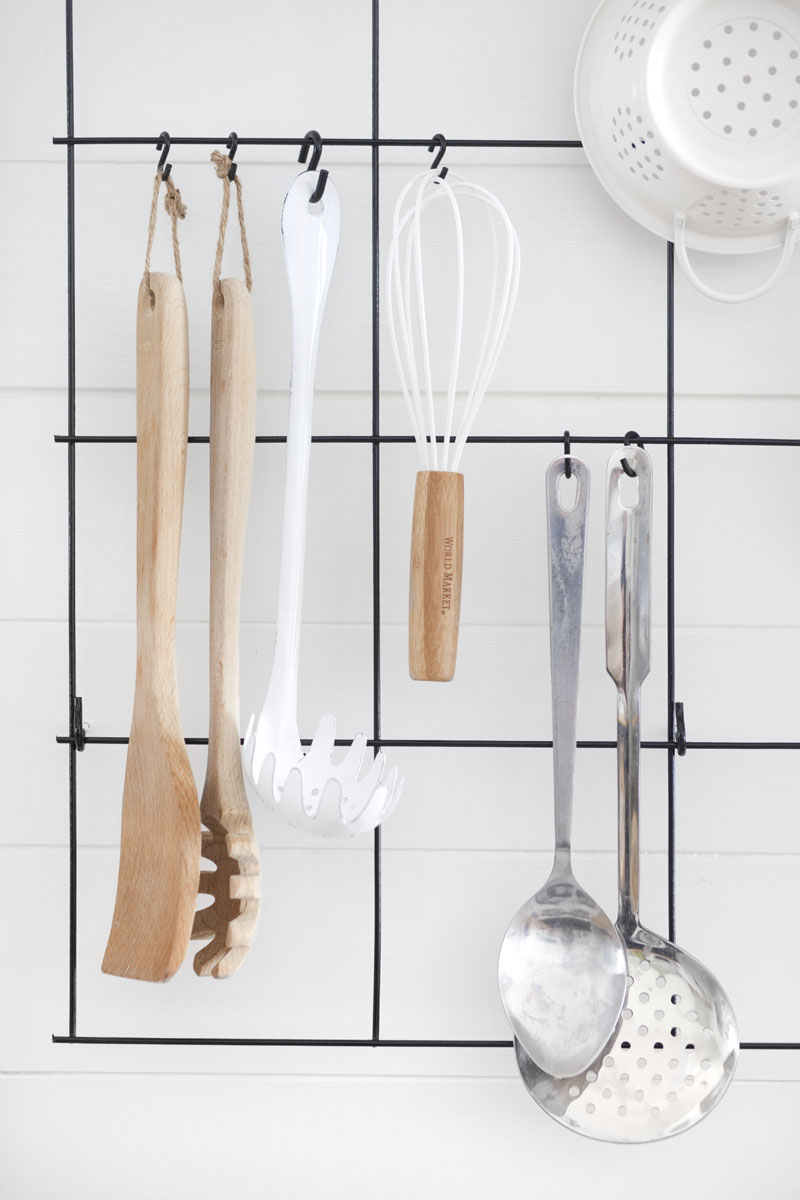 Diy wire utensil rack a beautiful mess for Support pour ustensiles de cuisine