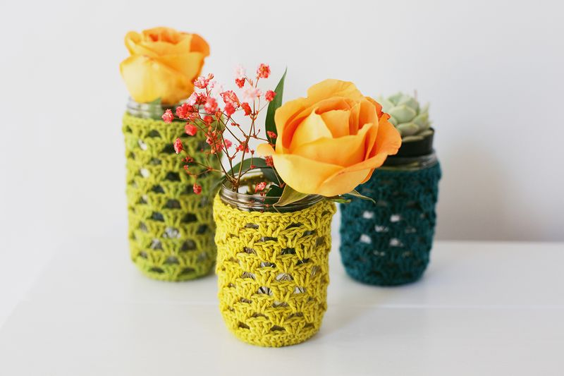 Use these crocheted mason jar cozies for small plants!
