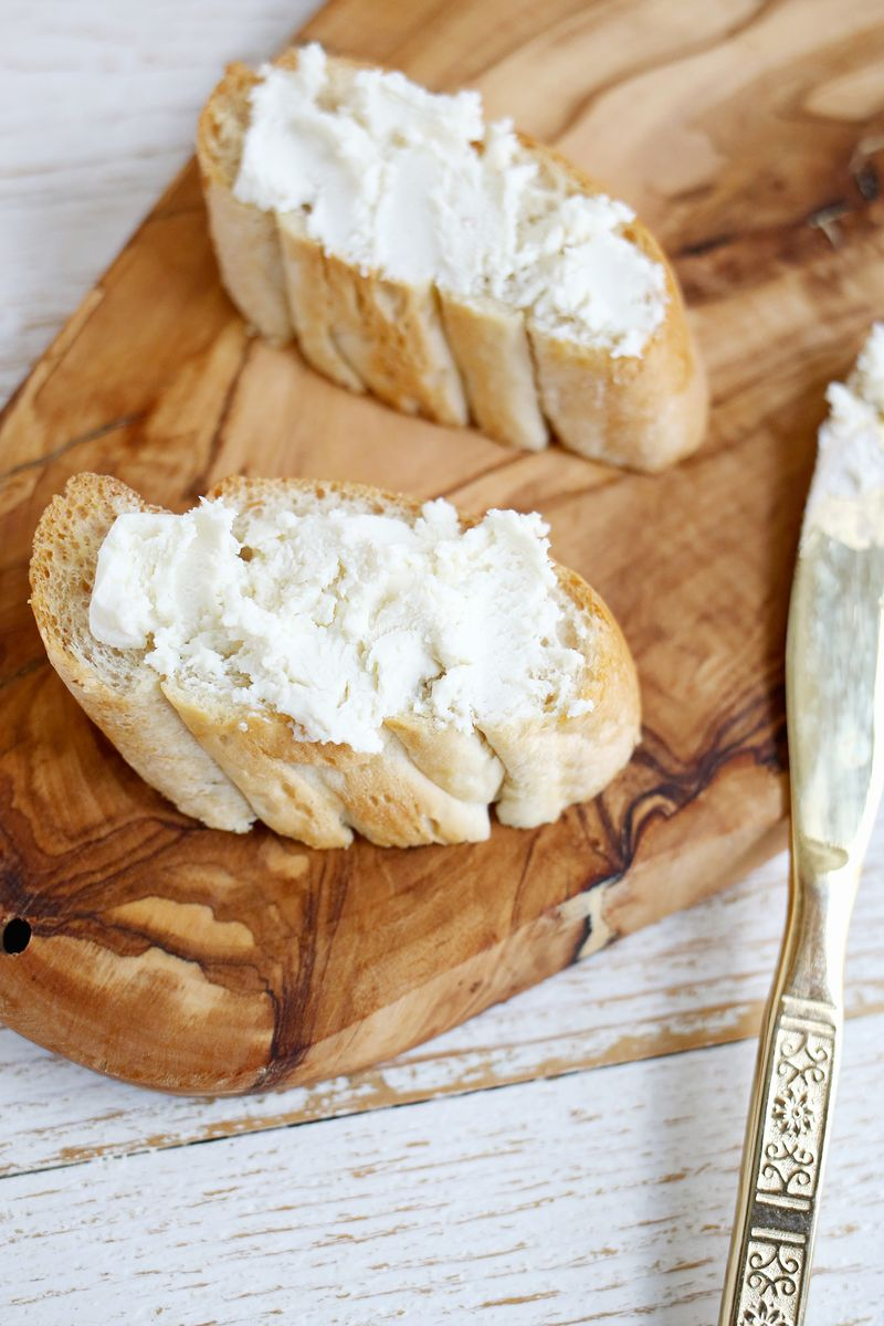 Roasted Grape + Honey Goat Cheese Crostini (click through for recipe)