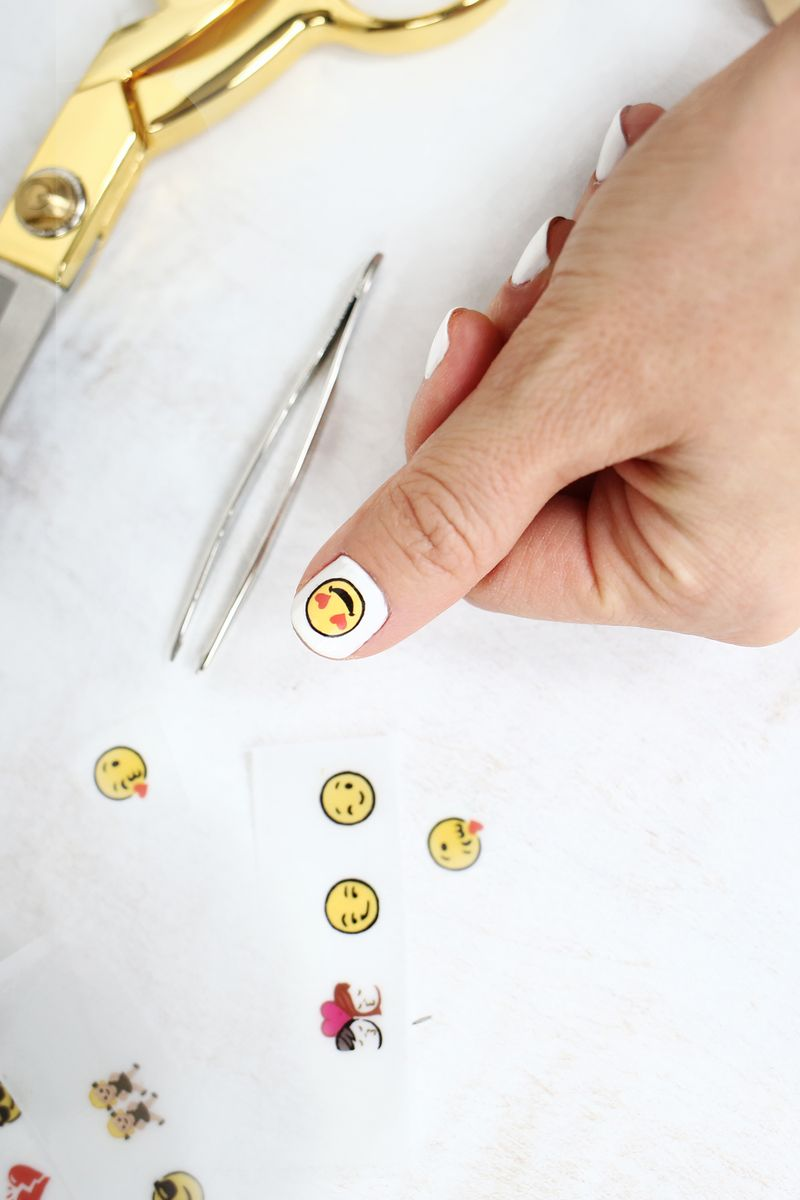 OMG! Emoji nail decal DIY!! (click through for tutorial)