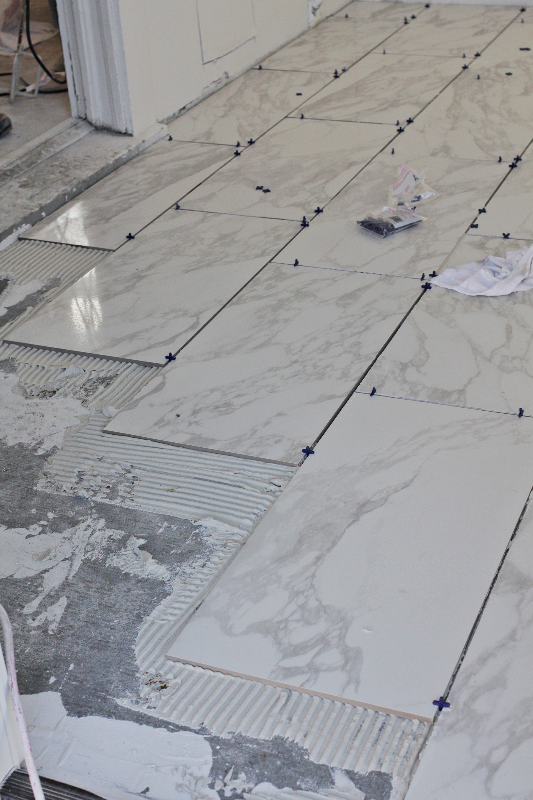 Beginners Guide To Laying Tile A Beautiful Mess