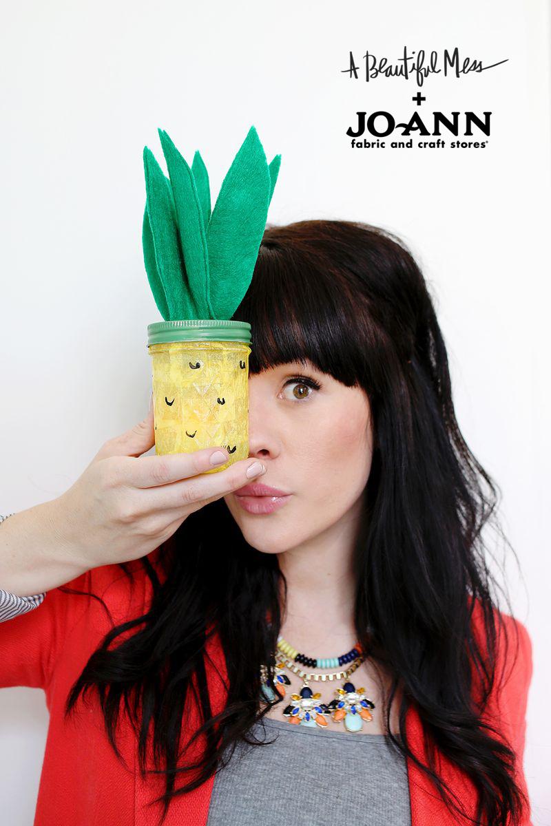 D.I.Y. pineapple nightlight (click through for a video tutorial)jpg