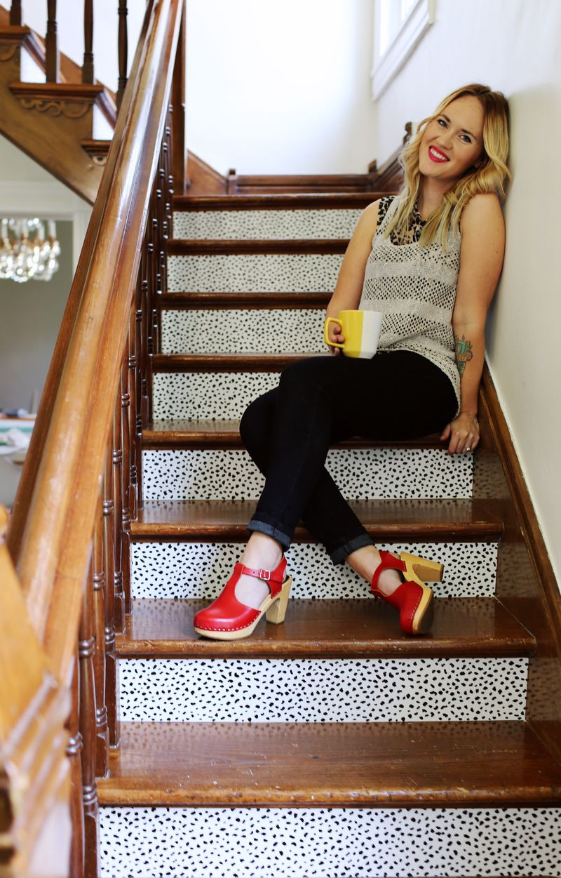 Stair makeover from abeautifulmess.com